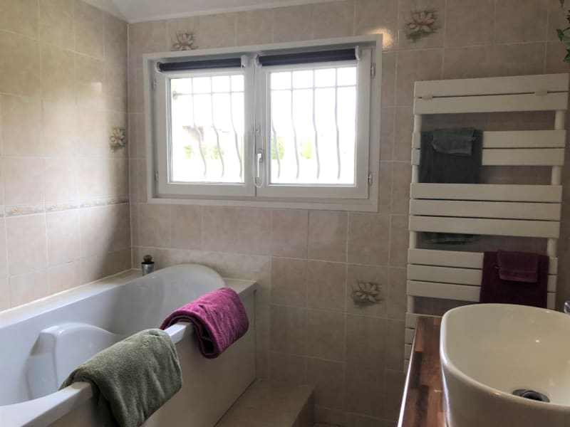 Sale house / villa Chaumont en vexin 249900€ - Picture 9