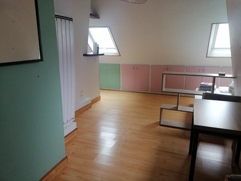 Location appartement Paris 10ème 695€ CC - Photo 1
