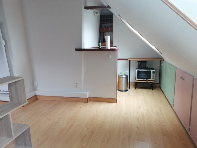Location appartement Paris 10ème 695€ CC - Photo 3