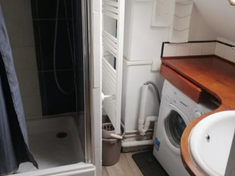 Location appartement Paris 10ème 695€ CC - Photo 10