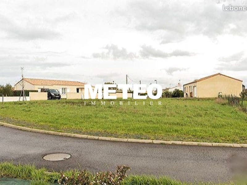 Sale site Lairoux 33500€ - Picture 1