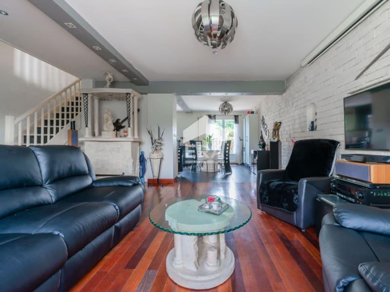 Sale house / villa Lesigny 328000€ - Picture 1