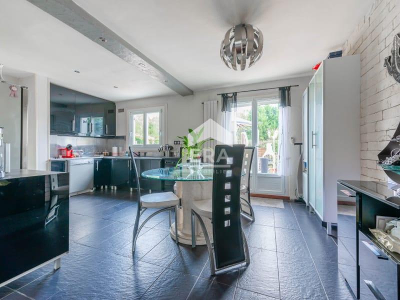 Sale house / villa Lesigny 328000€ - Picture 2