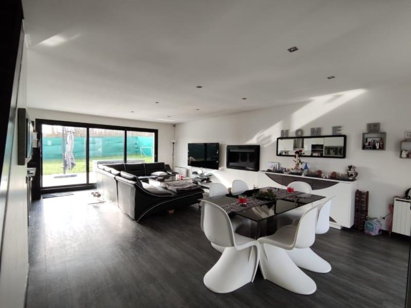 Deluxe sale house / villa Le thillay 530000€ - Picture 2