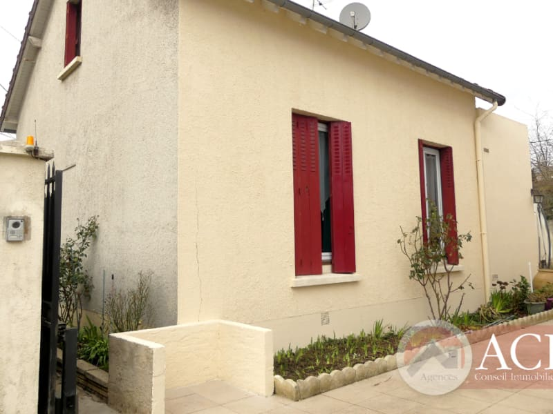 Sale house / villa Montmagny 330 750€ - Picture 1