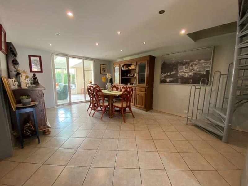 Sale house / villa Lesigny 295000€ - Picture 1