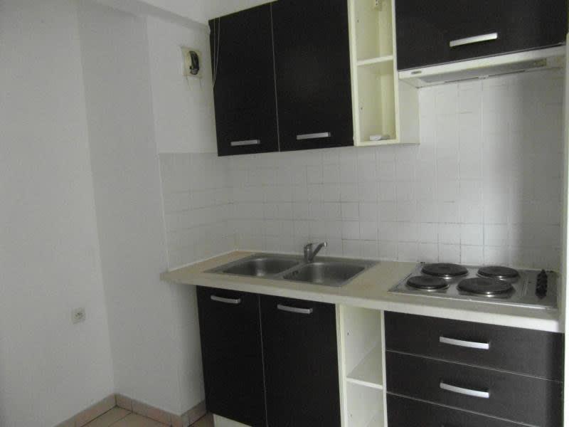 Sale apartment St denis 109080€ - Picture 5