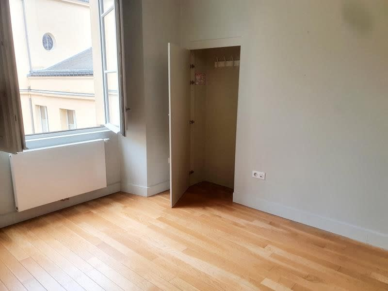 Location appartement Versailles 716€ CC - Photo 2