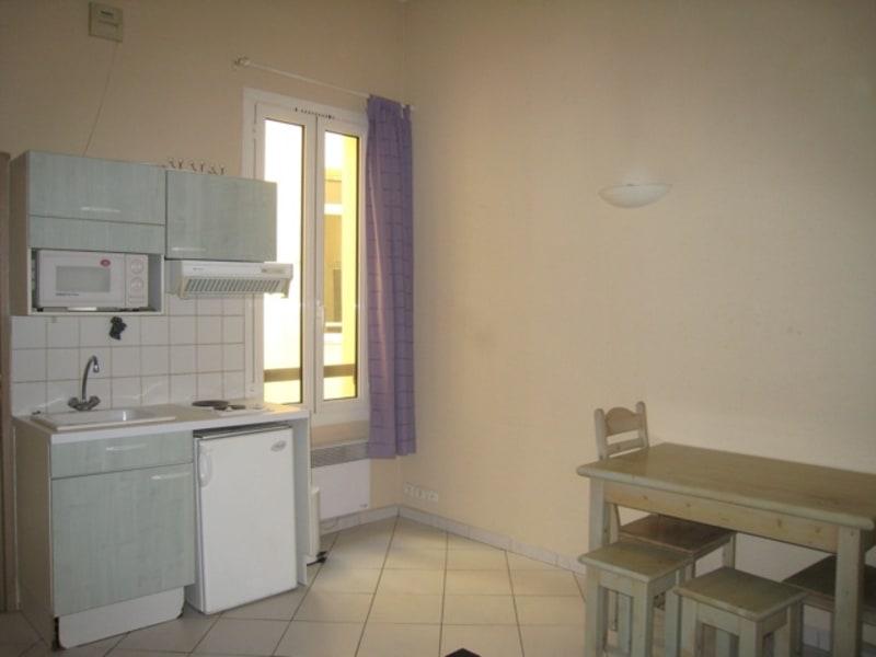 Rental apartment Aix en provence 490€ CC - Picture 2