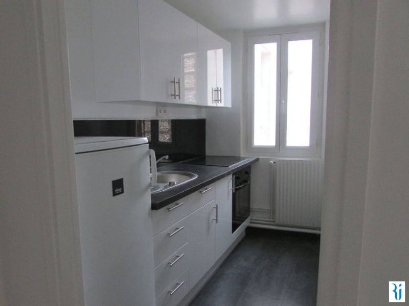 Rental apartment Rouen 633€ CC - Picture 3