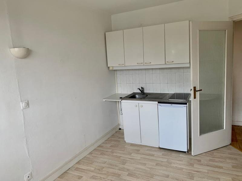 Rental apartment Ecully 550€ CC - Picture 3