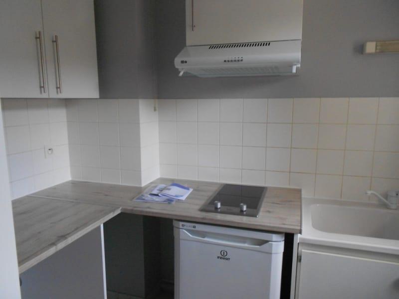 Alquiler  apartamento Vendôme 290€ CC - Fotografía 2