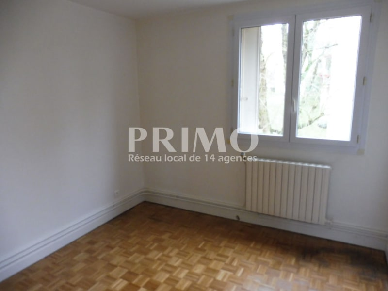 Location appartement Verrieres le buisson 1 030€ CC - Photo 4