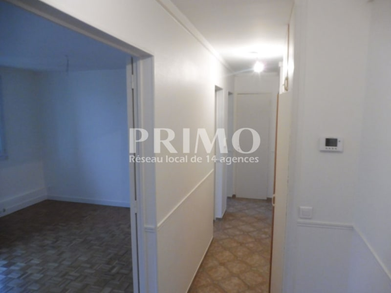 Location appartement Verrieres le buisson 1 030€ CC - Photo 5