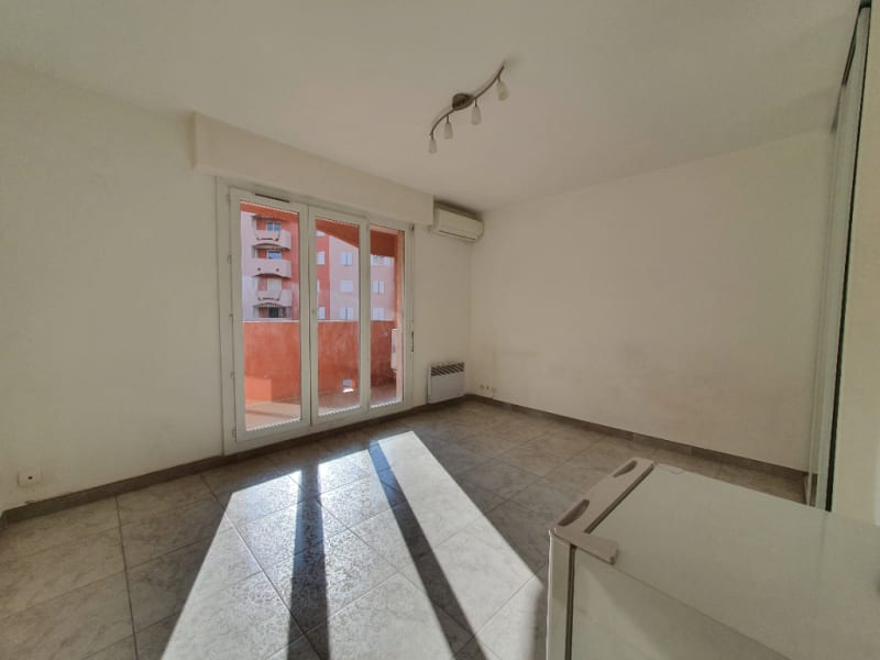 Vente appartement Hyeres 120 000€ - Photo 2
