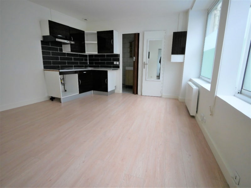 Rental apartment Sevres 683€ CC - Picture 1