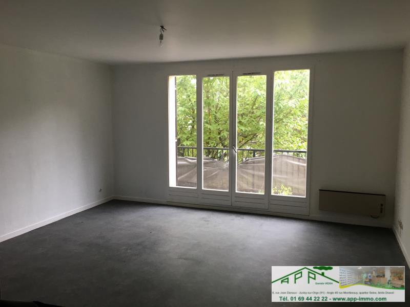 Rental apartment Draveil 582,60€ CC - Picture 4