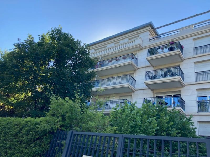 Sale apartment Puteaux 840000€ - Picture 2