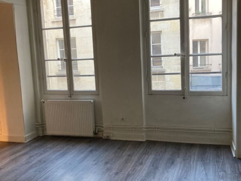 Rental apartment Paris 2ème 1 380€ CC - Picture 8