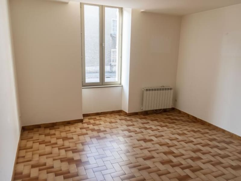 Location appartement Oyonnax 433€ CC - Photo 1