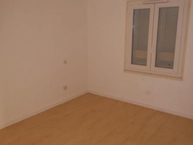 Location maison / villa St seurin de cursac 876€ CC - Photo 7
