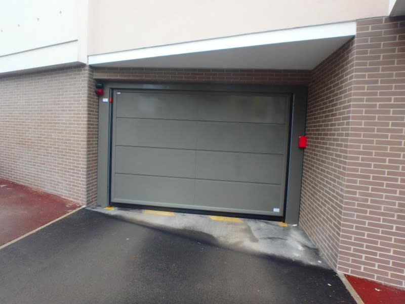 Location parking Viroflay 90€ CC - Photo 2