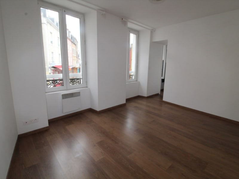 Rental apartment Le palais 495€ CC - Picture 3