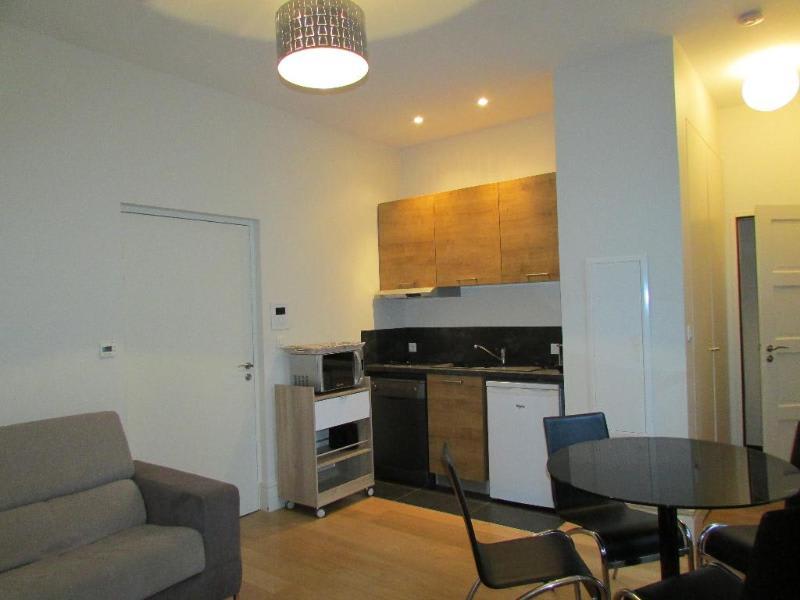 Rental apartment Lyon 2ème 965€ CC - Picture 2