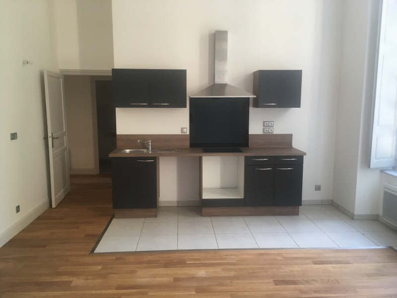 Location appartement Croutelle 6 605€ CC - Photo 2