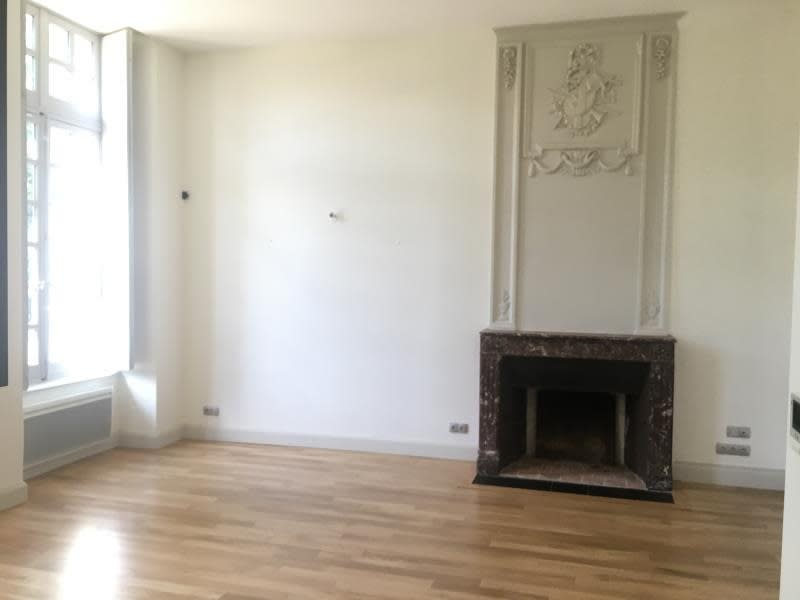 Location appartement Croutelle 6 605€ CC - Photo 3