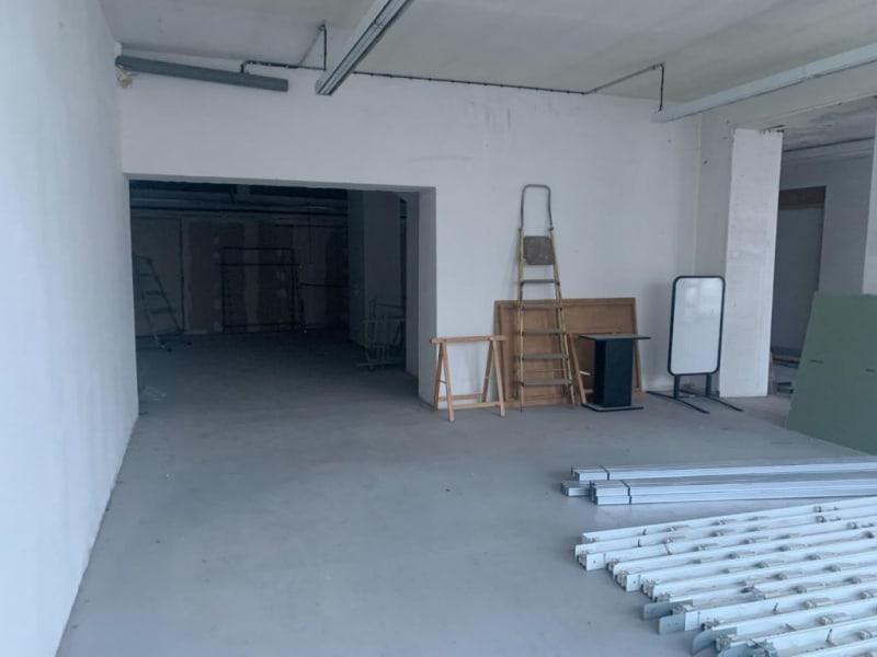 Location local commercial Laissac---severac-l'eglise 450€ HC - Photo 3