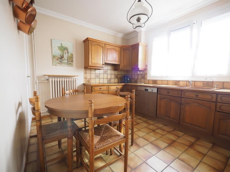 Sale house / villa Bois d arcy 563680€ - Picture 4