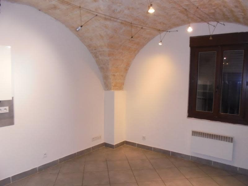 Rental apartment Lunel 515€ CC - Picture 2