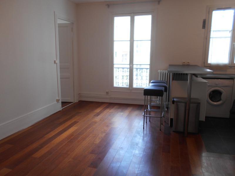 Location appartement Paris 10ème 1168€ CC - Photo 4