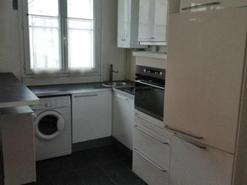 Location appartement Paris 10ème 1168€ CC - Photo 7