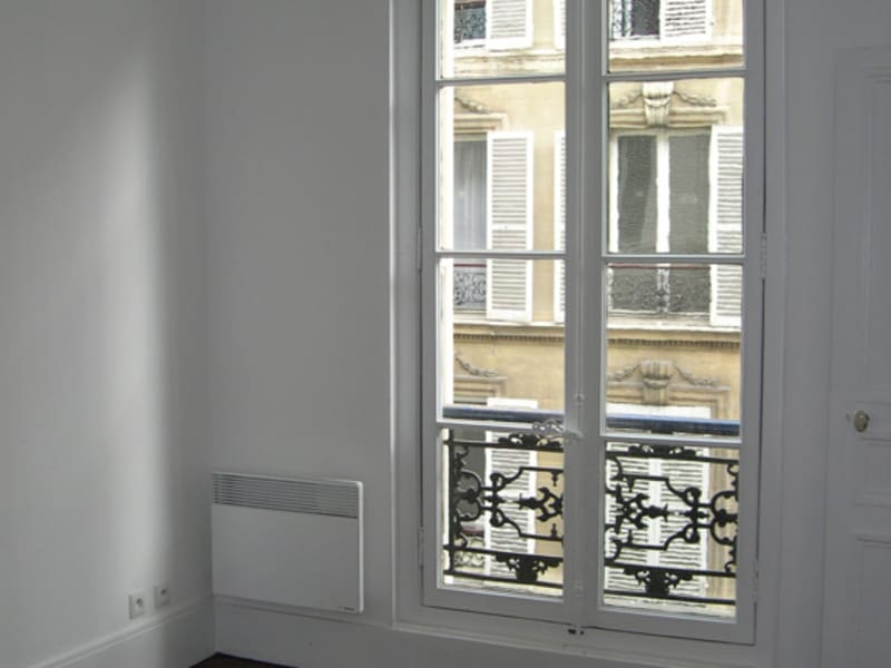 Rental apartment Paris 8ème 1 400€ CC - Picture 6