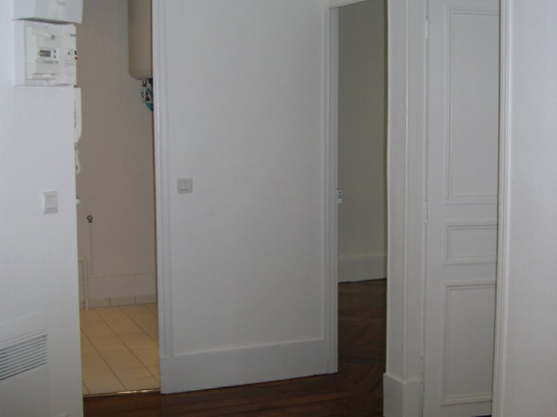 Rental apartment Paris 8ème 1 400€ CC - Picture 11