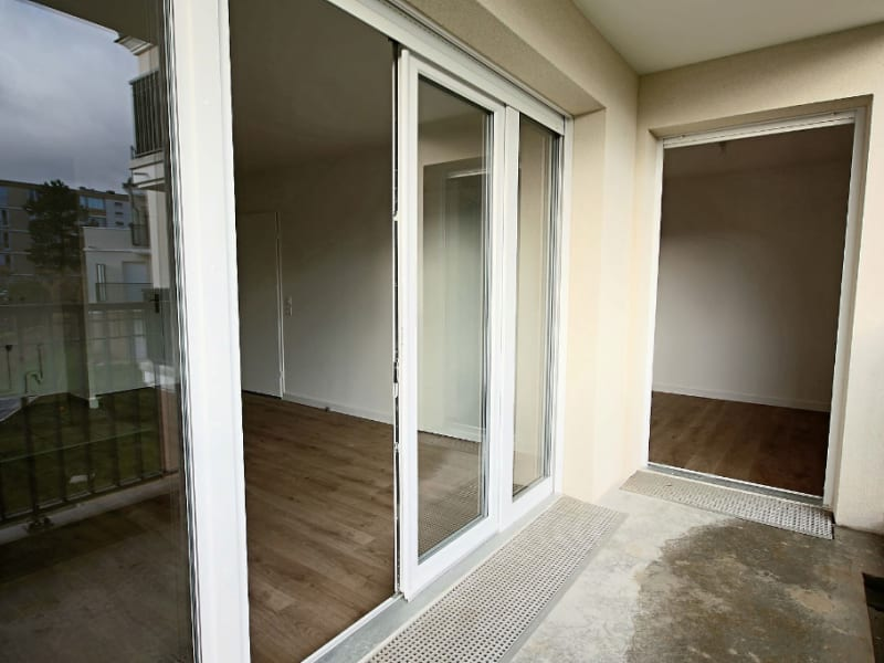 Rental apartment Le plessis trevise 820€ CC - Picture 7