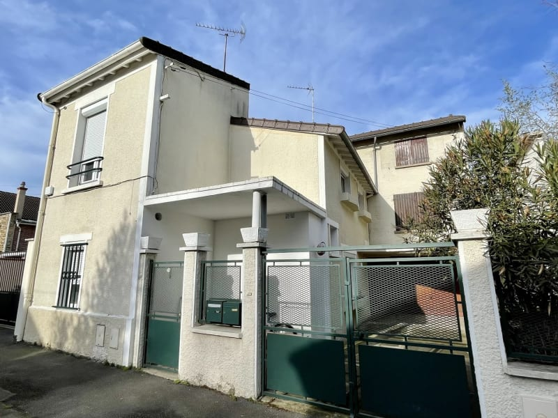 Sale house / villa Villemomble 330 000€ - Picture 1