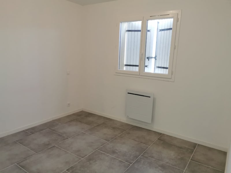 Location maison / villa Calas 1 100€ CC - Photo 4