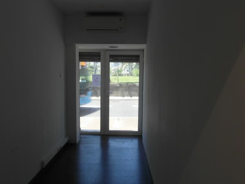 Rental empty room/storage St denis 1500€ HC - Picture 3