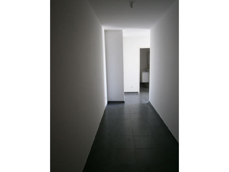 Location appartement St denis 437€ CC - Photo 2