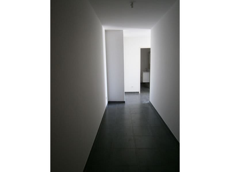 Location appartement St denis 437€ CC - Photo 3