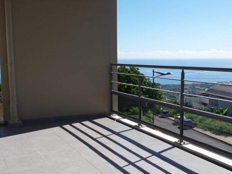 Location appartement St denis 825€ CC - Photo 1