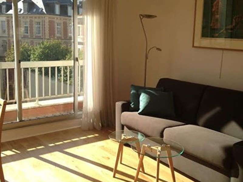 Rental apartment Paris 15ème 1 261,63€ CC - Picture 1