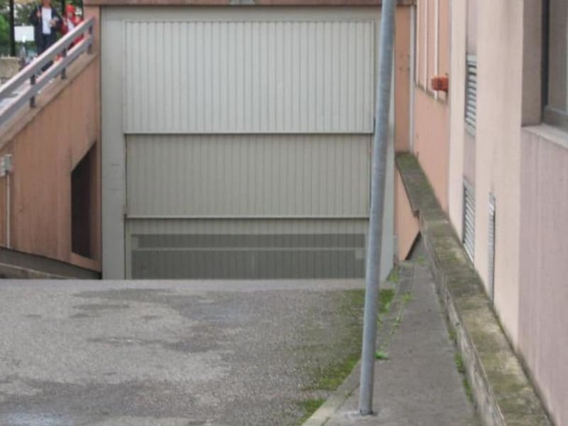 Location parking Lyon 6ème 105€ CC - Photo 1