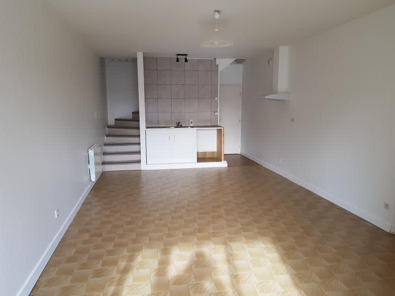 Location maison / villa Brion 695€ CC - Photo 3