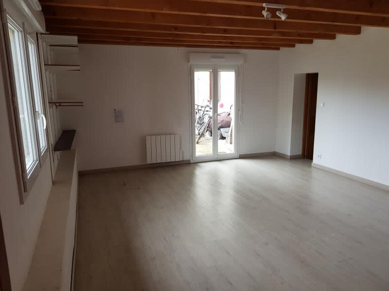 Location maison / villa Brion 695€ CC - Photo 4