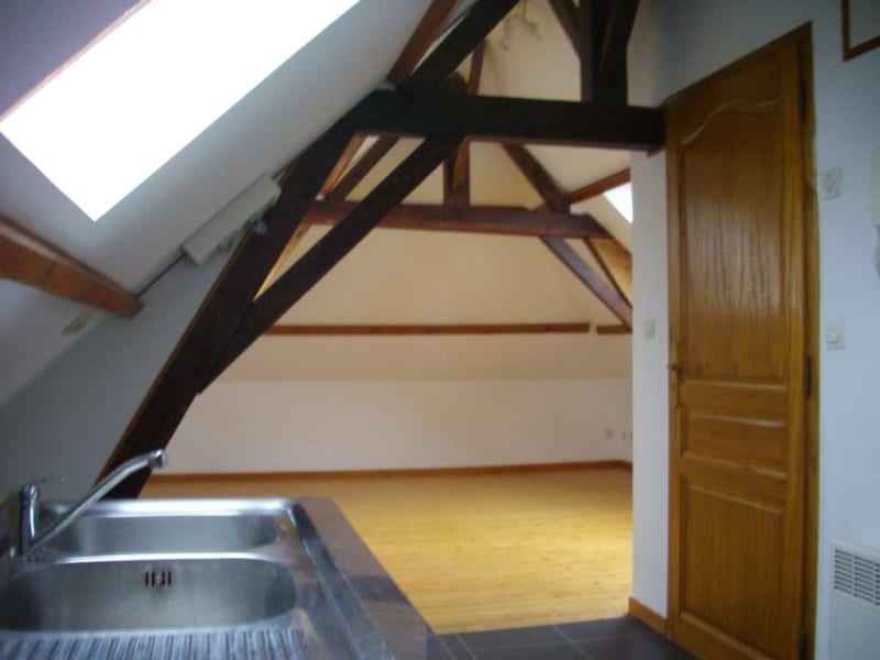 Rental apartment St omer 350€ CC - Picture 2