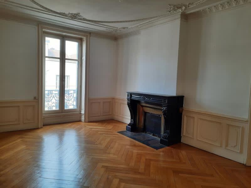 Location appartement Le coteau 545€ CC - Photo 3